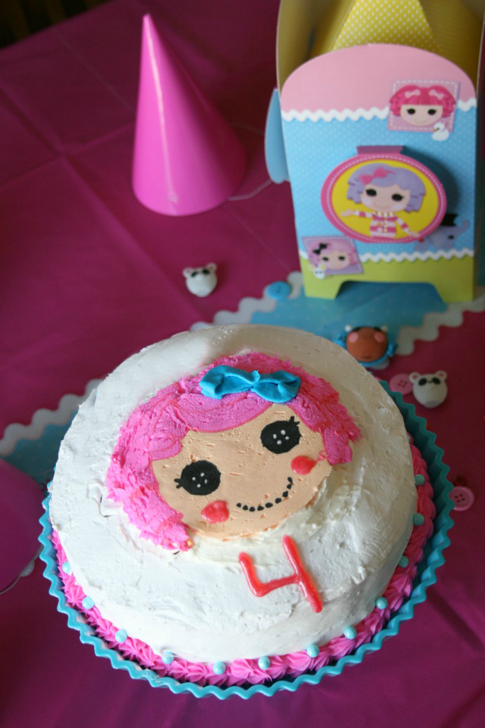 Easy Cake Decorating with Frosting Transfers - Family Fresh Meals