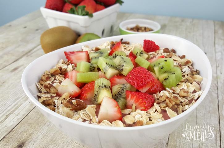Very Berry Kiwi Smoothie Bowl - FamilyFreshMeals.com - Great Breakfast!