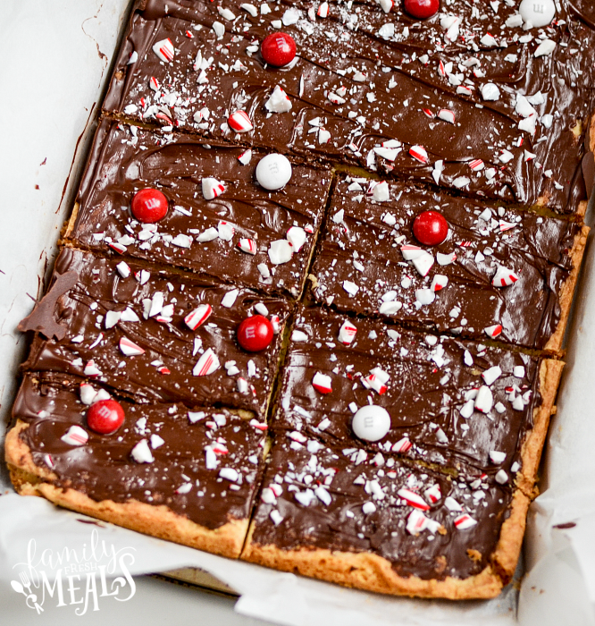 Peppermint Cookie Bars - familyfreshmeals.com