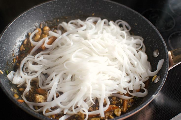 Easy Shrimp Pad Thai - Step 6